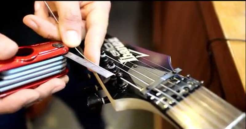 Bass-guitar-strings-only-two